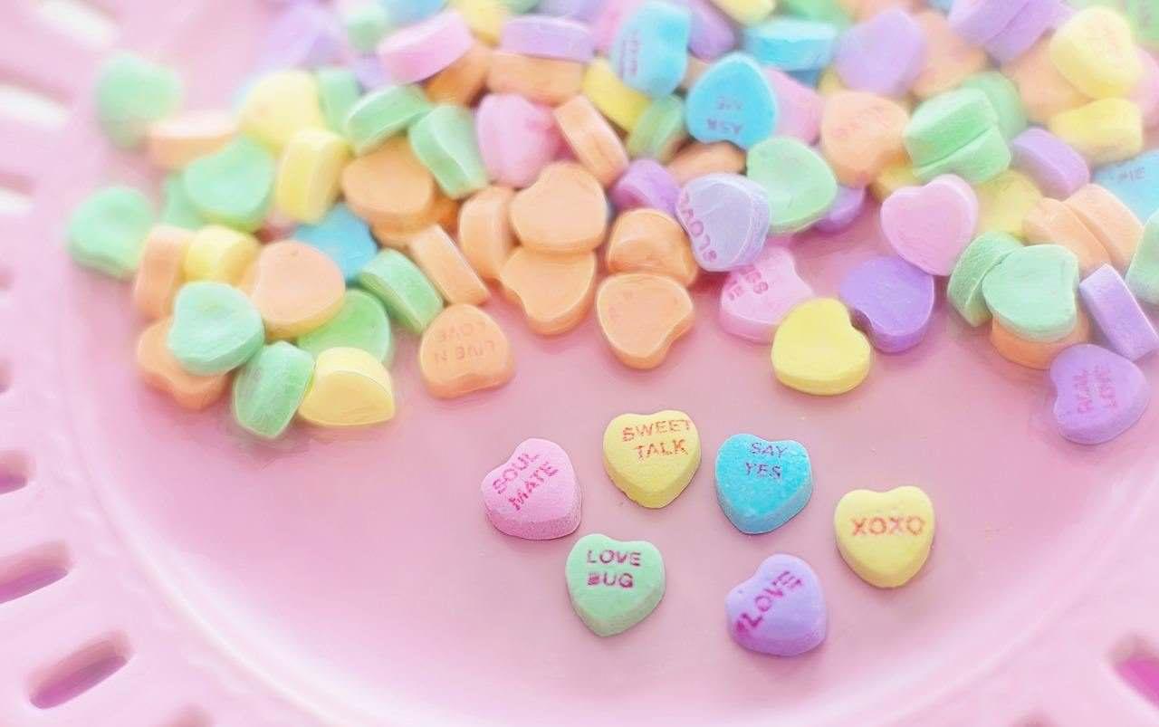 01-valentine-candy-626446_1280
